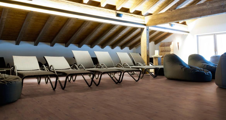 flint-floor-hitech-hifloor-pavimento-laminado-pavimentos-laminados-pabimento-hospitales-clinicas-gimnasios-spa-espacios-exigentes-y-de-bienestar-para-un-pavimento-saludable-facil-de-mantener-y-limpiar